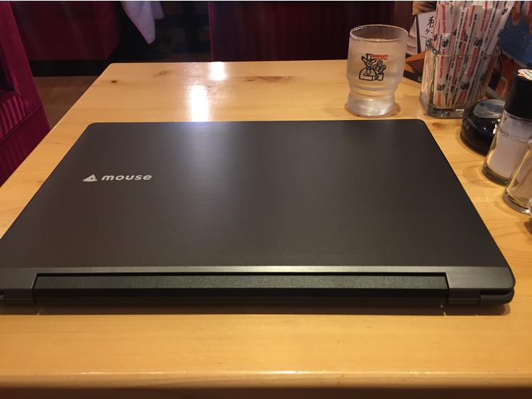 LB-F531XN2-SSDカフェにて